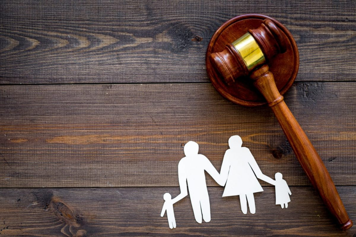 Factors to Consider When Hiring A Family Lawyer